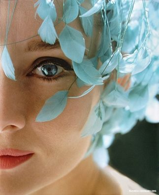 moça de olho azul.jpg